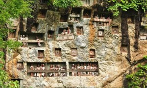 Toraja Tombs